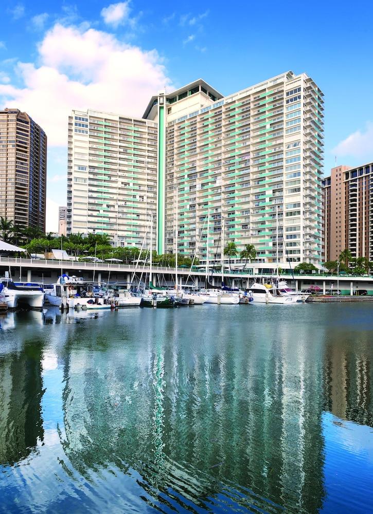 waikiki marina resort at the ilikai reviews