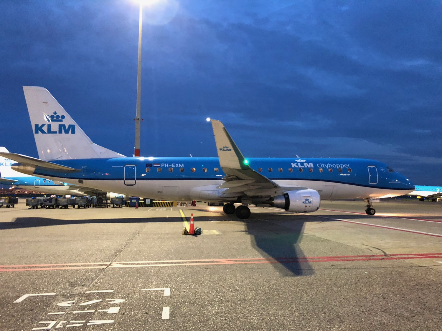 klm singapore to amsterdam review